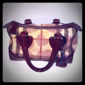 Burberry limited Edition Nova check bag + keychain
